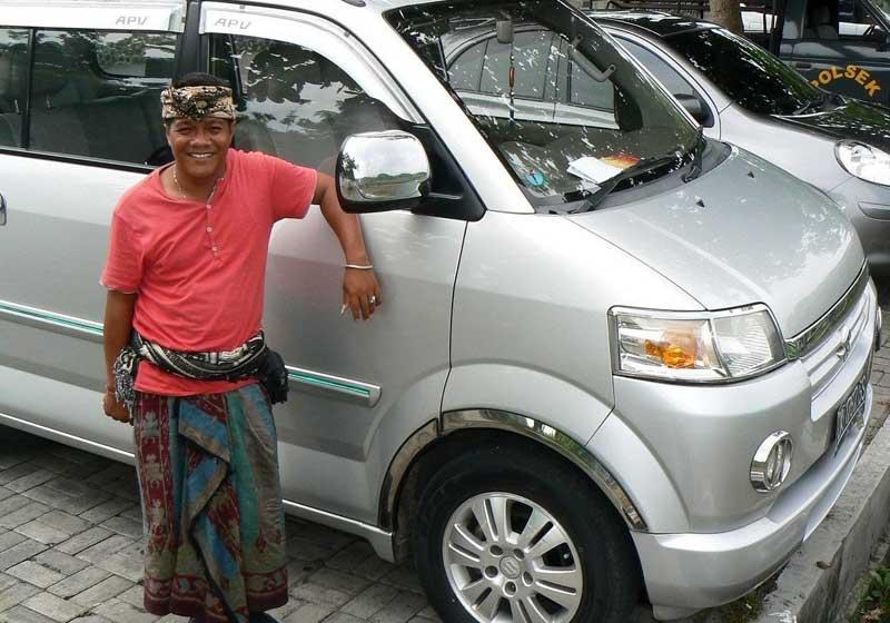 Phương tien di chuyen ở Bali là ô tô